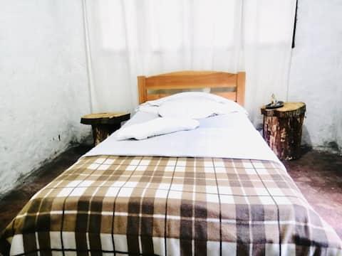 Habitación Individ. casa en bosque (20 min Ibagué)