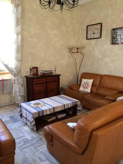 Salon 2 canapés cuir + fauteuil