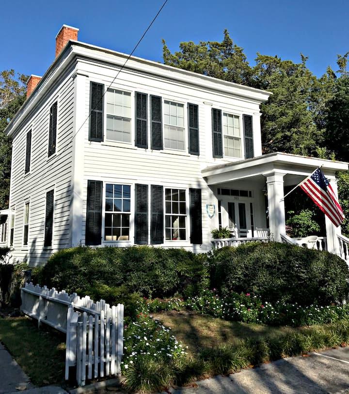 The Historic 1856 Leecraft Home