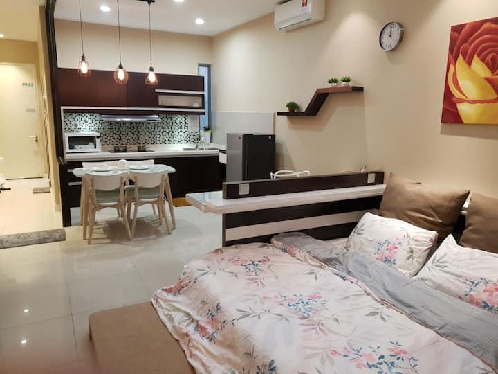 Luxury Designer Studio in IMAGO! Free Pickup! B