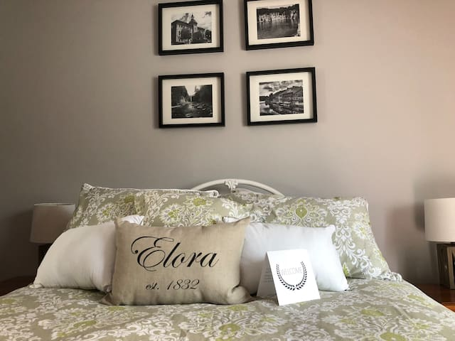 Elora Getaway-Best Value Guest Suite-NEWLY RENOV