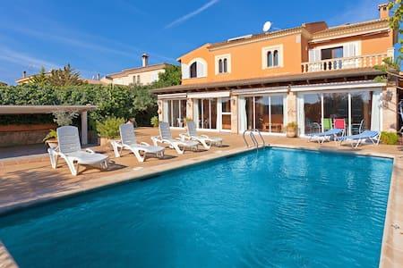 Bonito chalet con piscina privada - Llucmajor