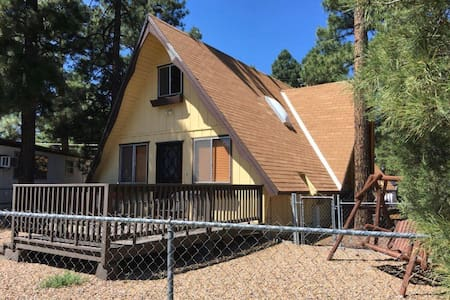 Cozy MCM A-Frame in the Pines