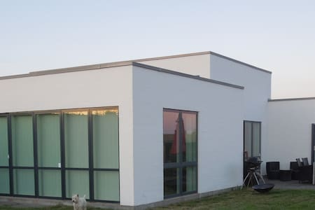 New modern large villa near nature - Hinnerup - Pis