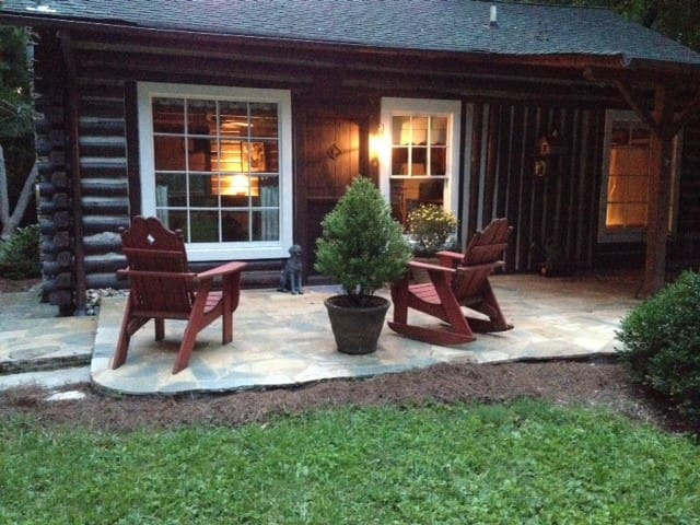 Dog Trot Cabin, secluded city retreat on 8 acres - Cleveland - Cabana