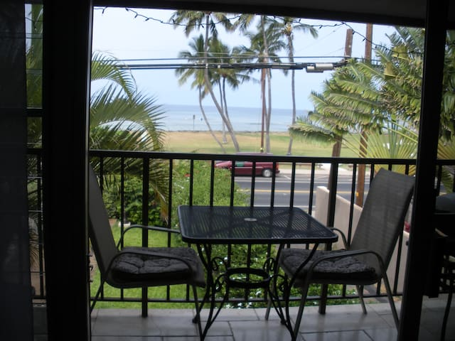 Oceanfront in Central Kihei 2 bed/2 bath +3rd loft