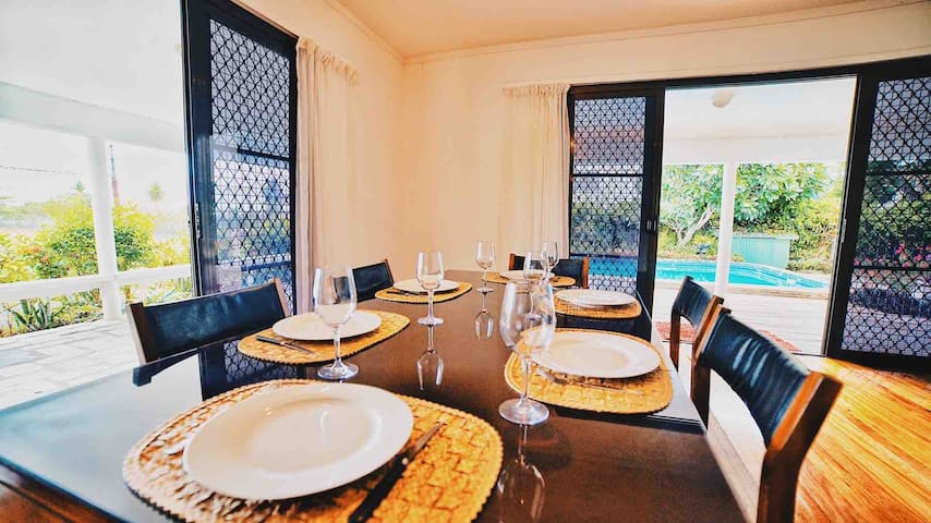 BouganVilla · Tropical Home w/private pool - near Airport