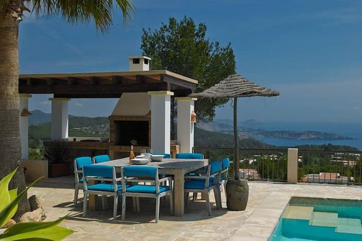 HARISSA VILLAS CAN CUBELLIS, Ibiza, Es Cubells (South West )