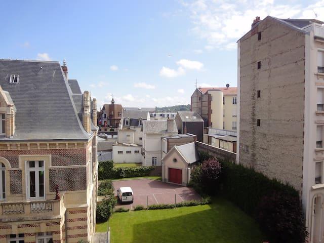 Très Beau 2 pièces, 50m² Deauville hypercentre