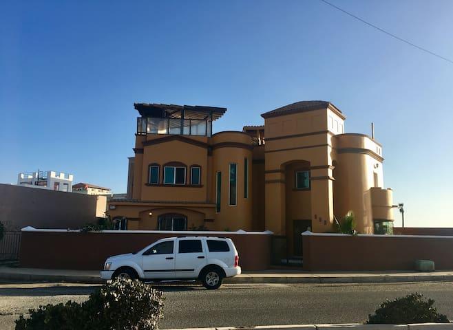 Hermosa casa frente al mar de Ensenada !!