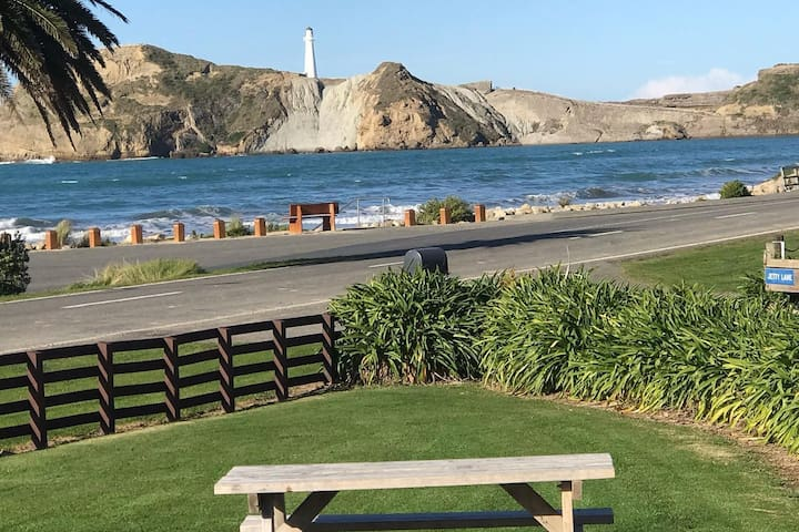 Seaview House at Castlepoint with Great Views