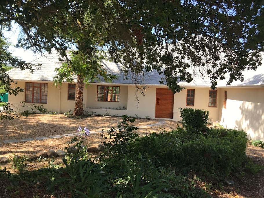 Lauradale Guesthouse - Five Bedroom Lavender House