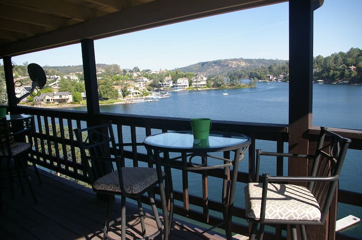 Live-Love-Lake.  Tulloch's cozy waterfront home...