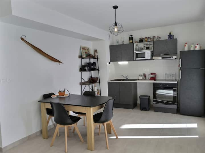 Spacious and modern apartment for 5 people with terraces, wifi, air conditioning, private parking in a secure residence near the beach