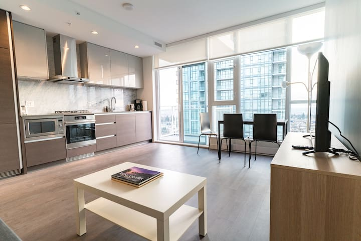 Skyco Suite One (Metrotown)