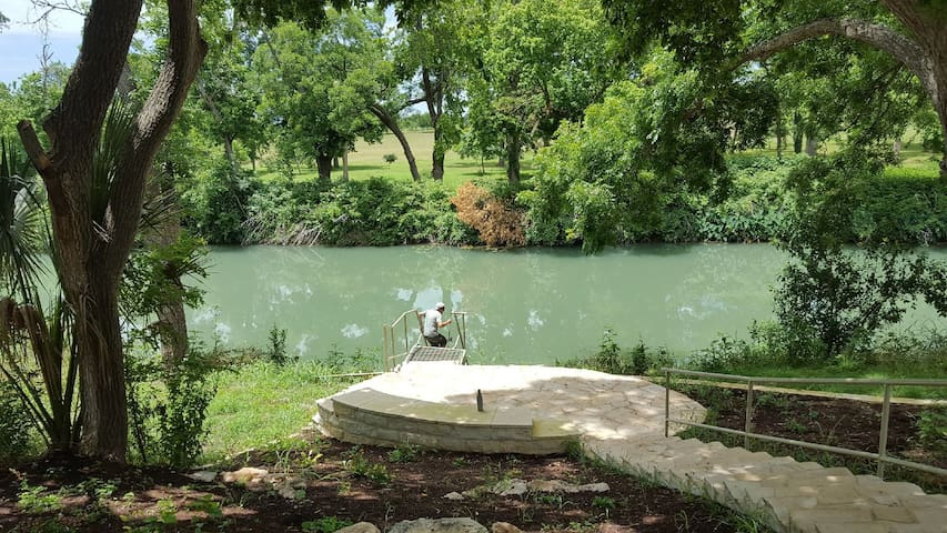 Historic River Retreat on the San Marcos