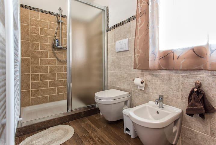 bagno suite, piano primo