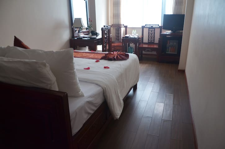 Serendipity Hotel - Deluxe Double with Breakfast - Hanoi - Boutique hotel