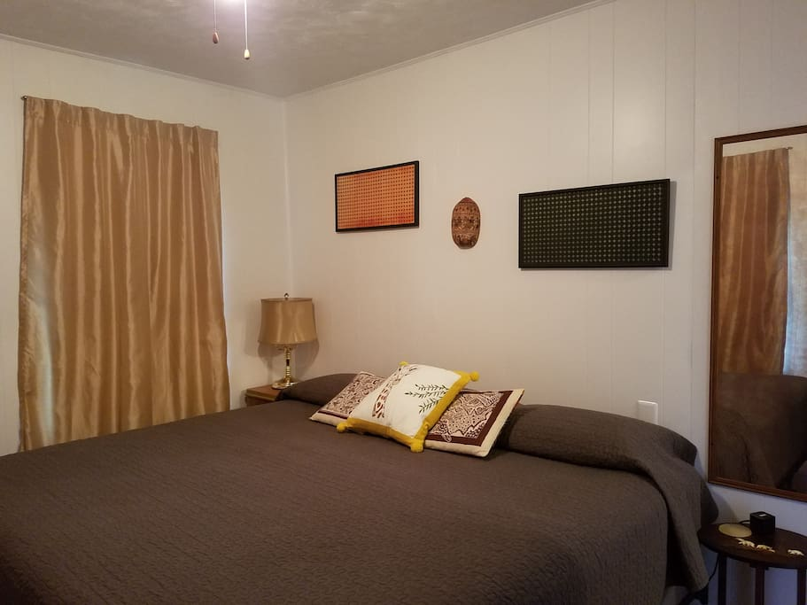 King Bedroom (separate listing with two twins in this room)