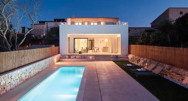 Villa a estrenar con piscina y vistas en Santanyí