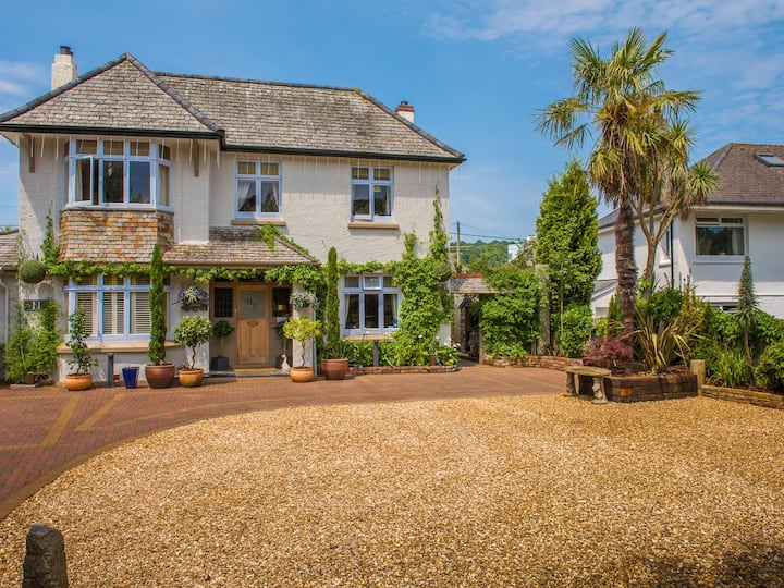Double or twin room 3 at Bradleigh Lodge