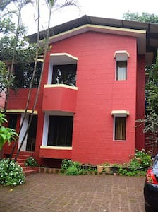 Quiet Bungalow in a serene property - Panchgani