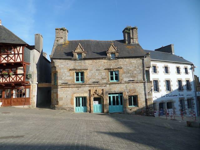 Maison médiévale du XVI siècle à Saint-Renan