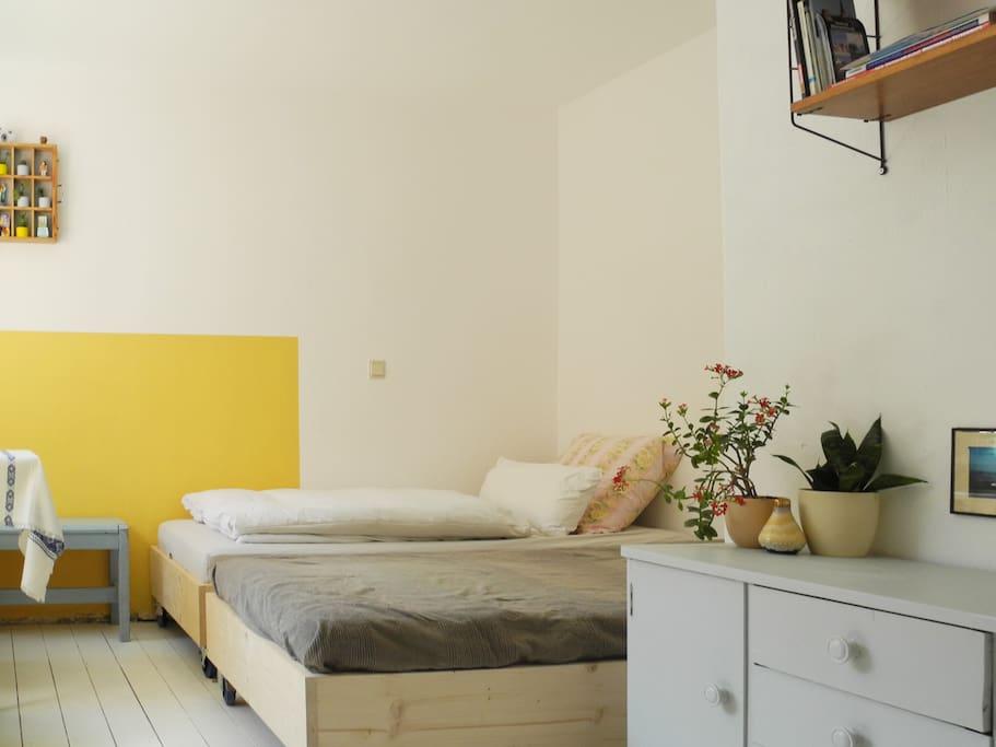 helles und h bsches zimmer am strom wohnungen zur miete. Black Bedroom Furniture Sets. Home Design Ideas