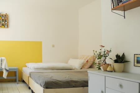 Helles und hübsches Zimmer am Strom - Rostock