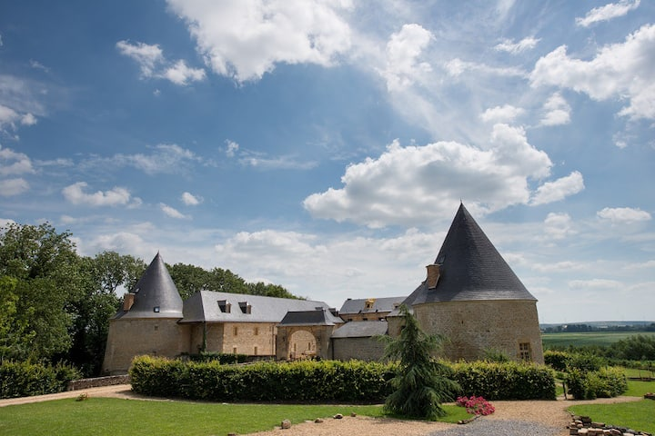Château de Charbogne : Le gîte du pont