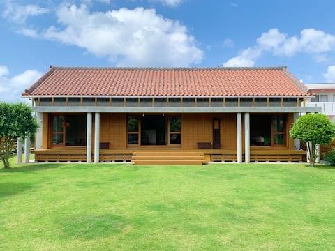 NEW! 5-minute walk to Okuma Beach! 5-minute drive to Hiji Otaki Falls! Okuma House with Okinawan wind from the spacious edge