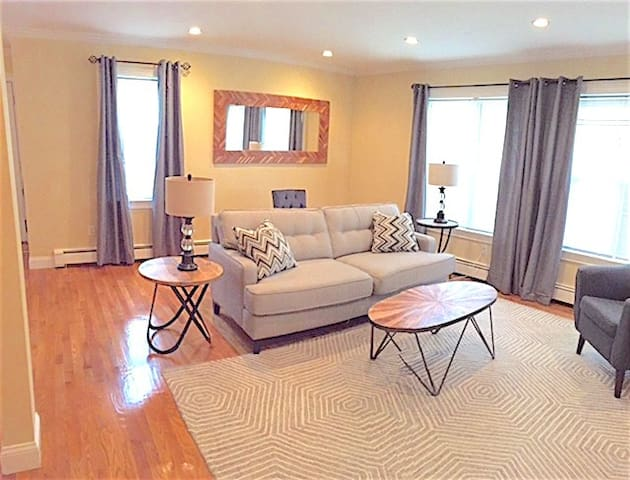The Sanctuary near Harvard Square with 2 BEDS - Boston - House