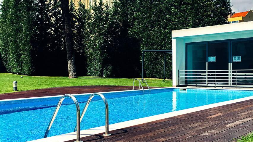 Modern Studio w/ WIFI, Pool & Garden