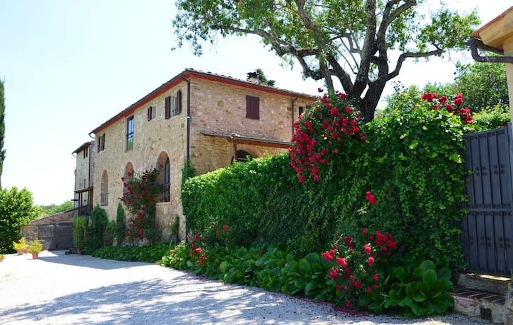 Tuscan Farmhouse Just Outside San Gimignano