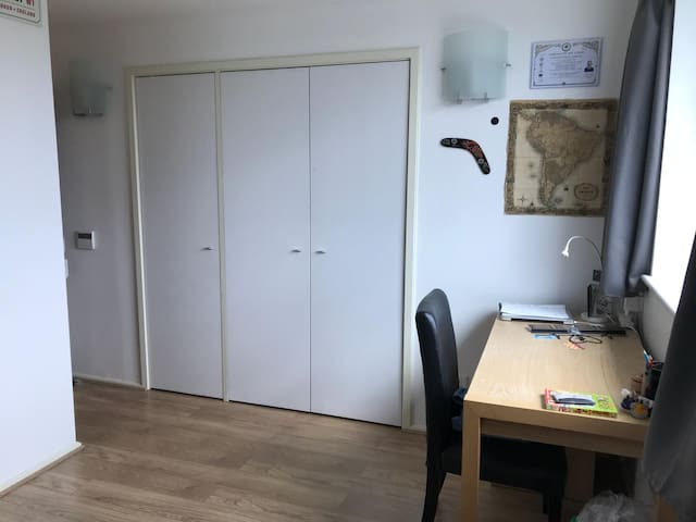 Central double room in 2 bed shared flat, Jan 2020