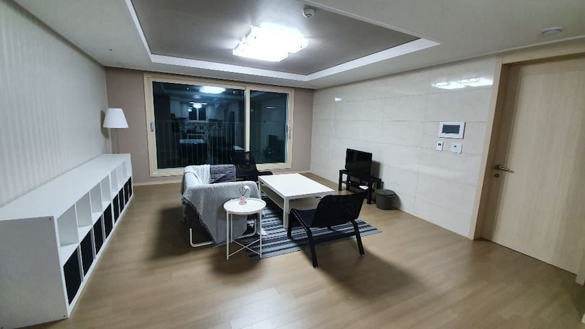 푸른  Modern apt 5bed/2bath  in Pyeongtaek