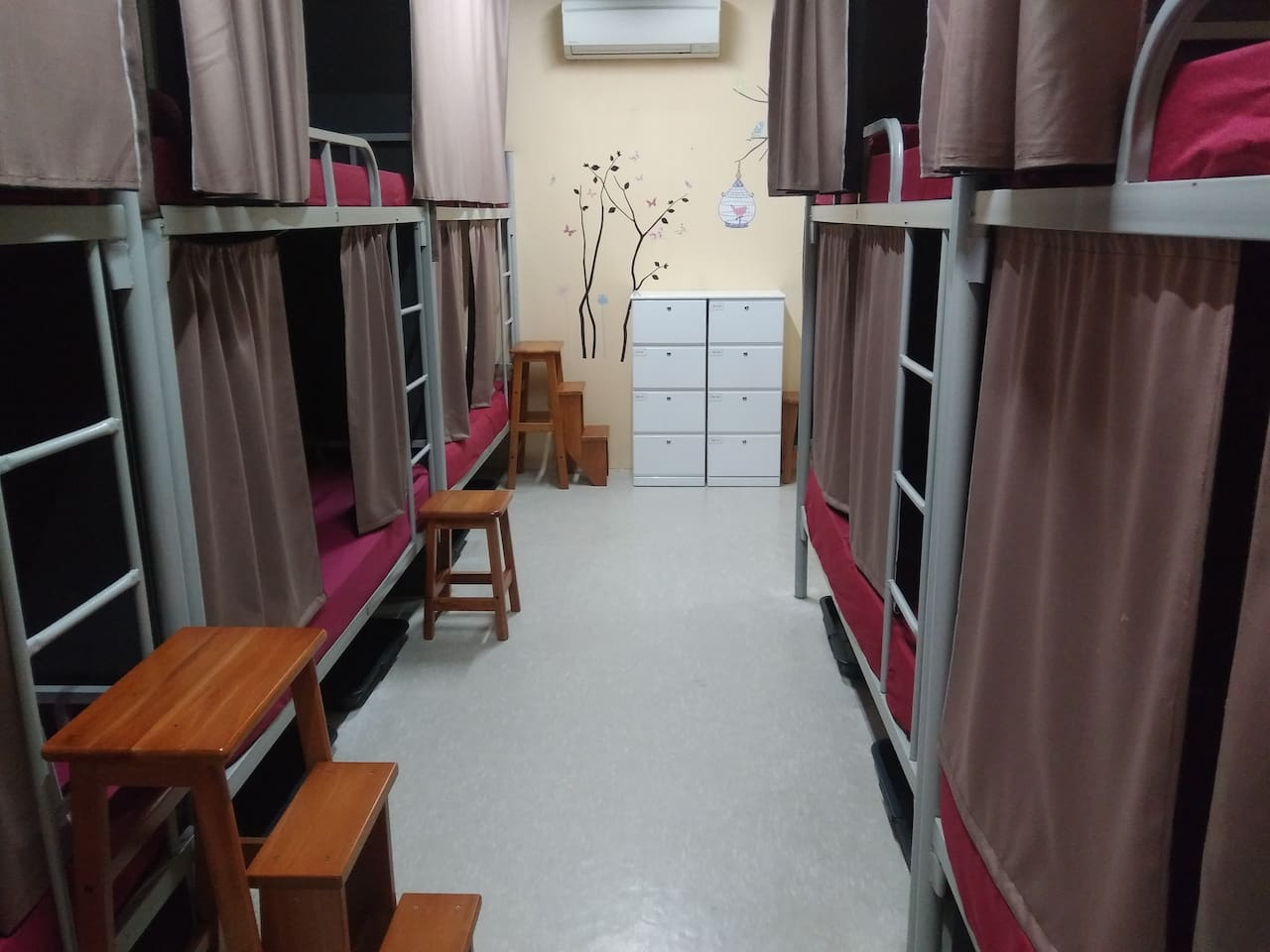 1-bed in 10-Bed Mix Dormitory