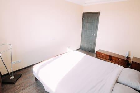 """2-комнатная квартира """"Просторная"""" - Cheboksary - 公寓"""