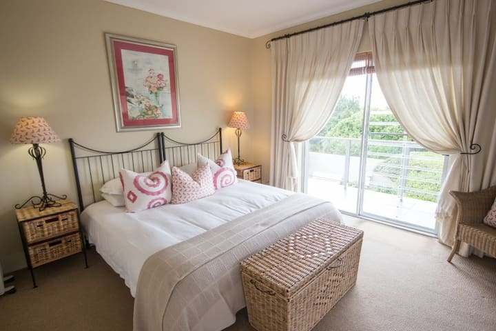 Headlands House 4* Guest House - Bird's View Room