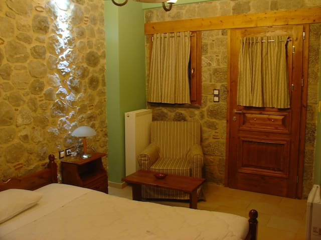 Double Room with Fireplace in Arachova