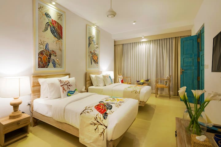 33 Lake Terrace - Twin Room Batik