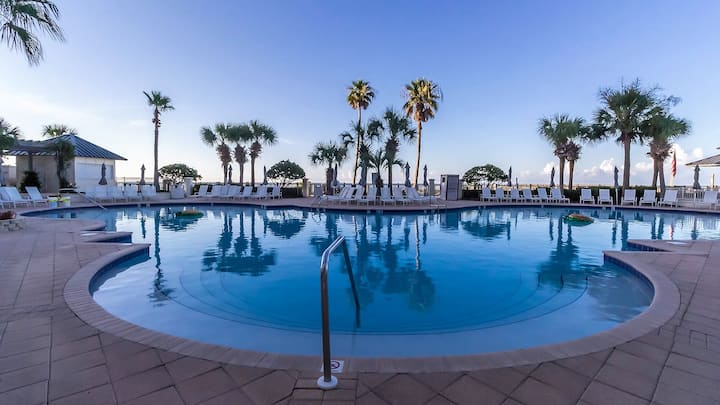 Luxurious 3bd/3.5ba Cottage at The Beach Club Resort & Spa