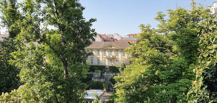 Sunny central quiet apartment with fantastic view