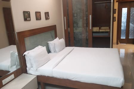 Private Room with in 3BHK near BKC - Mumbai - Wohnung