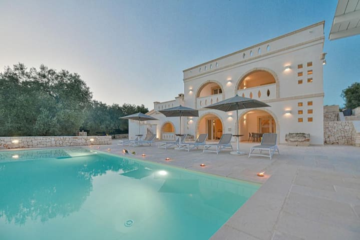 Luxurious Villa Don Salvatore with Wi-Fi, Air Conditioning, Pool & Terrace; Parking Available, Pets Allowed