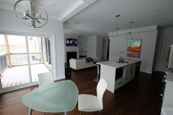 Beutiful Home in New-Lambeth - Entire Home