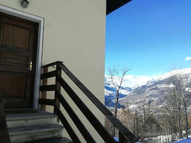 Logement Relax - Aosta, Charvensod  - Huoneisto