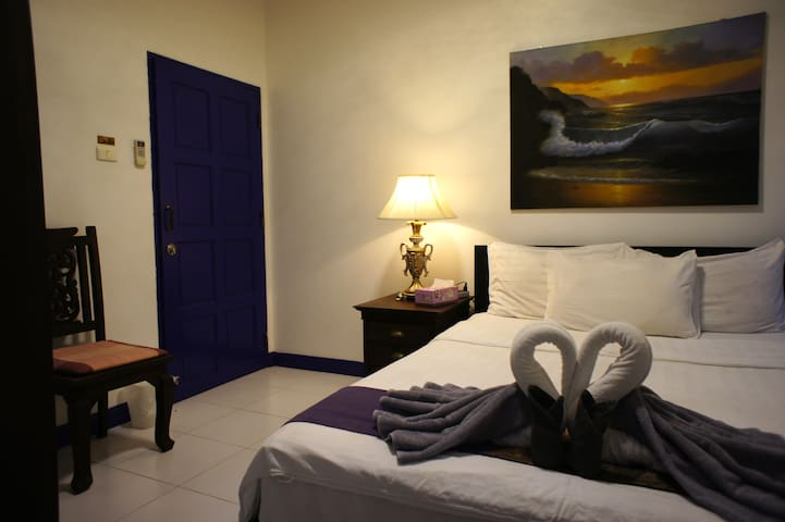 Phuket Gay Homestay - Private Room C