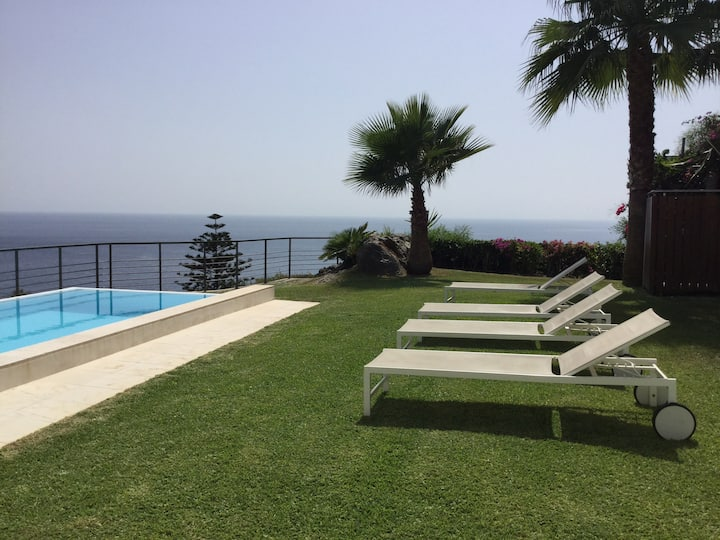 Villa, private pool & sea view at Punta de la Mona