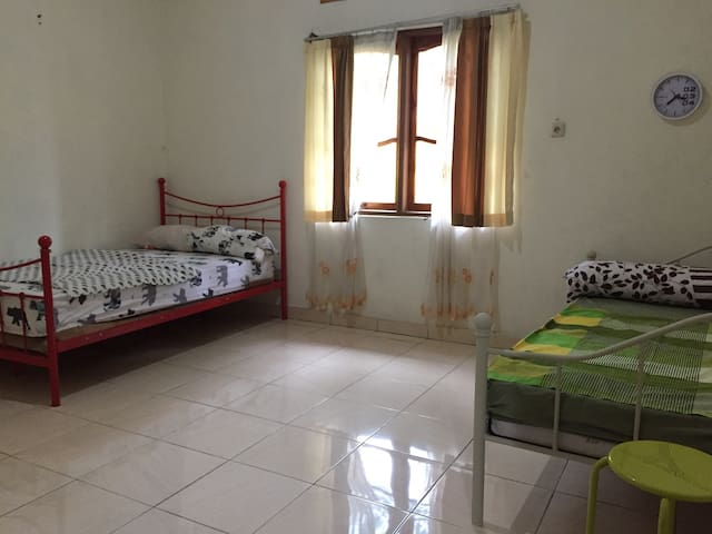 Clean & nice room in Alor